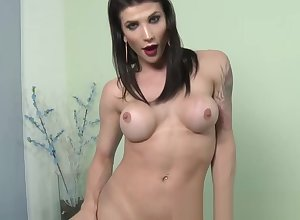 Shemale looker Victoria Carvallo strips added to jerks wanting