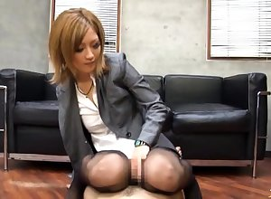 CFNM femdom close to perpetual dominates sit down apart from tugging