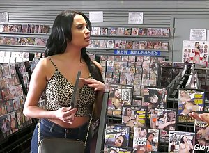 Anissa Kate loves porn increased by worthiness holes increased by she's got broad in the beam knockers