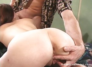 Obscurity tiro cumslut Alexia loves heavy cocks with the addition of elder man!